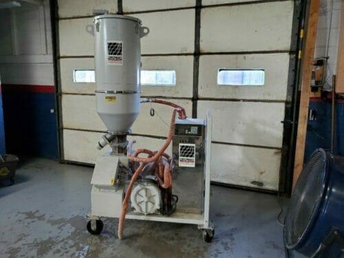 Used 60 lb/hr Cincinnati Milacron DD-60 Dryer